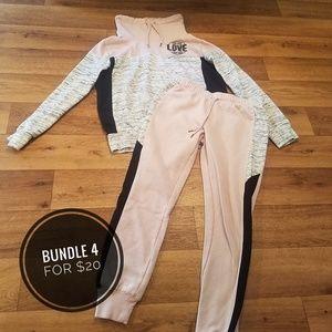 👻 2 Piece Sweatshirt & Pants, Size S (Juniors)